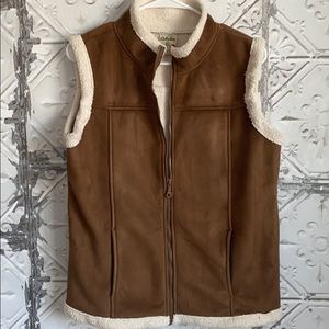 Cabelas suede feel fuzzy vest